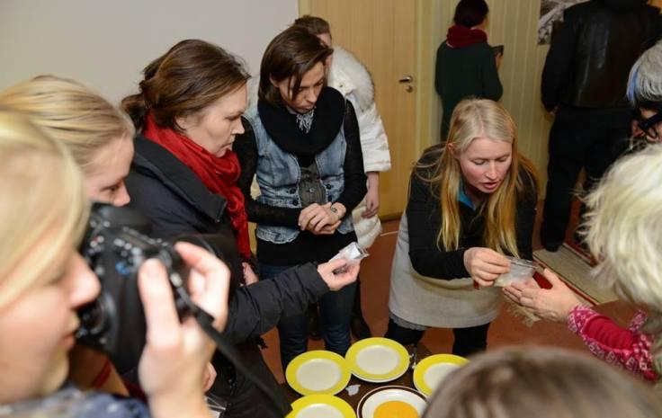 Rømmekollekulturen deles på Rømmekolle Revival Popup Café på Barents Spektakel 2015.